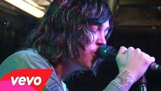 Sleeping with sirens - Live at KROQ (Gossip, Santeria and Legends)