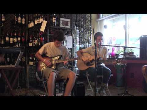 Holdini + Henri 4-Song Marathon in the Bakery