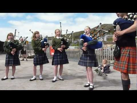 The Barra Piper Girls