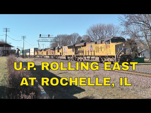 Union Pacific 8079 East with a Intermodal at Rochelle,IL 1-13-18