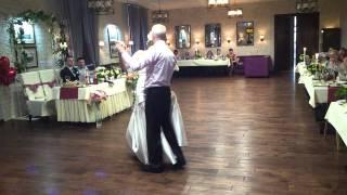 Милый и простой танец отца с невестой.(Мой сайт http://www.ulianapinigina.ru Моя группа на ВК http://vk.com/upinigina Поставьте, пожалуйста, лайк и подпишитесь на канал...., 2014-01-10T00:38:05.000Z)