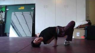 Breakdance How To:  Chair Freeze Tutorial/guide