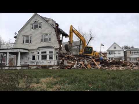Bayonne house built in 1800s demolished, Dec. 21, 2015