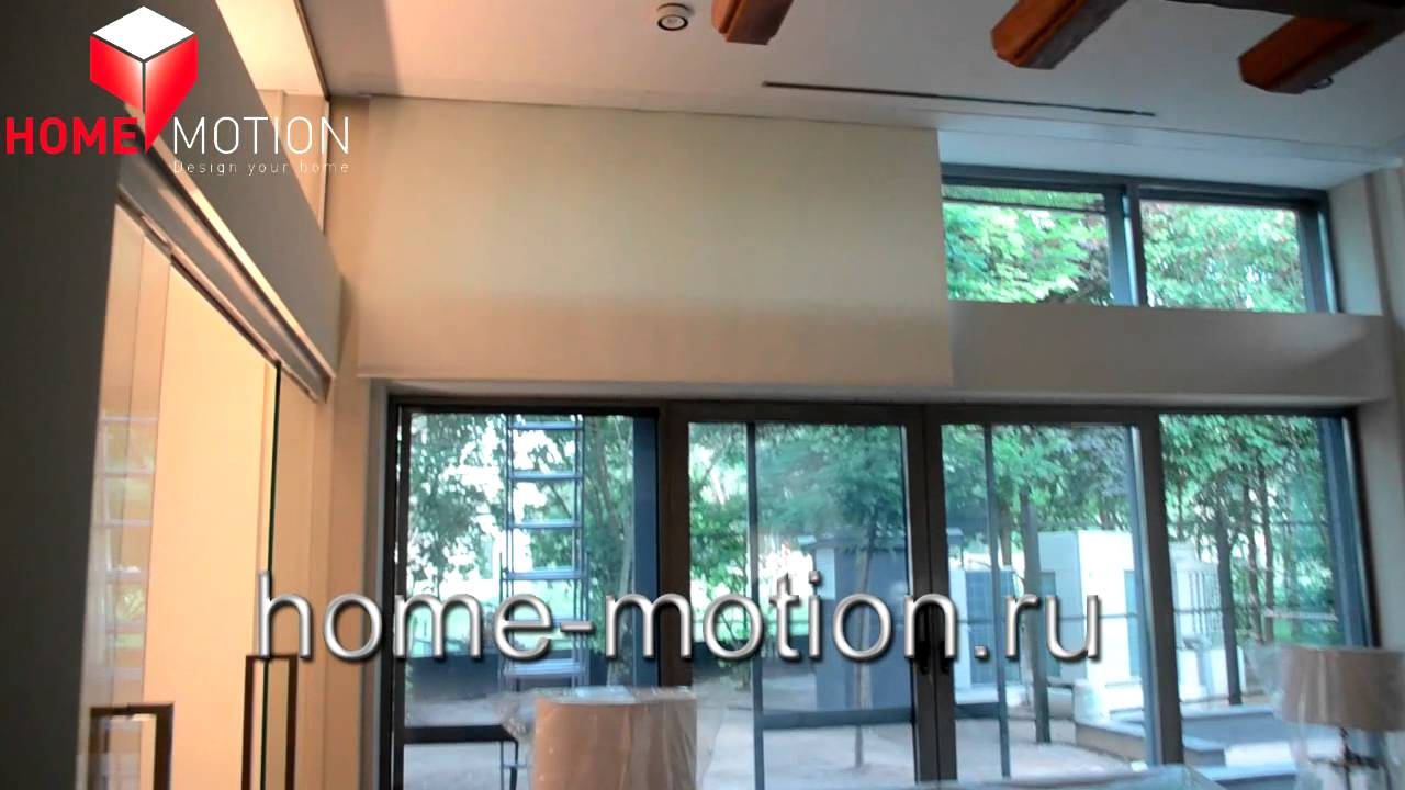 электро рулонные шторы на панорамные окна в бассейн изделия полностью спрятаны под потолком