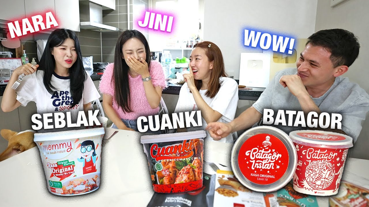 SPICY GIRLS TRY INDONESIAN INSTANT SEBLAK, BATAGOR, CUANKI & MANY MORE FOR THE FIRST TIME!