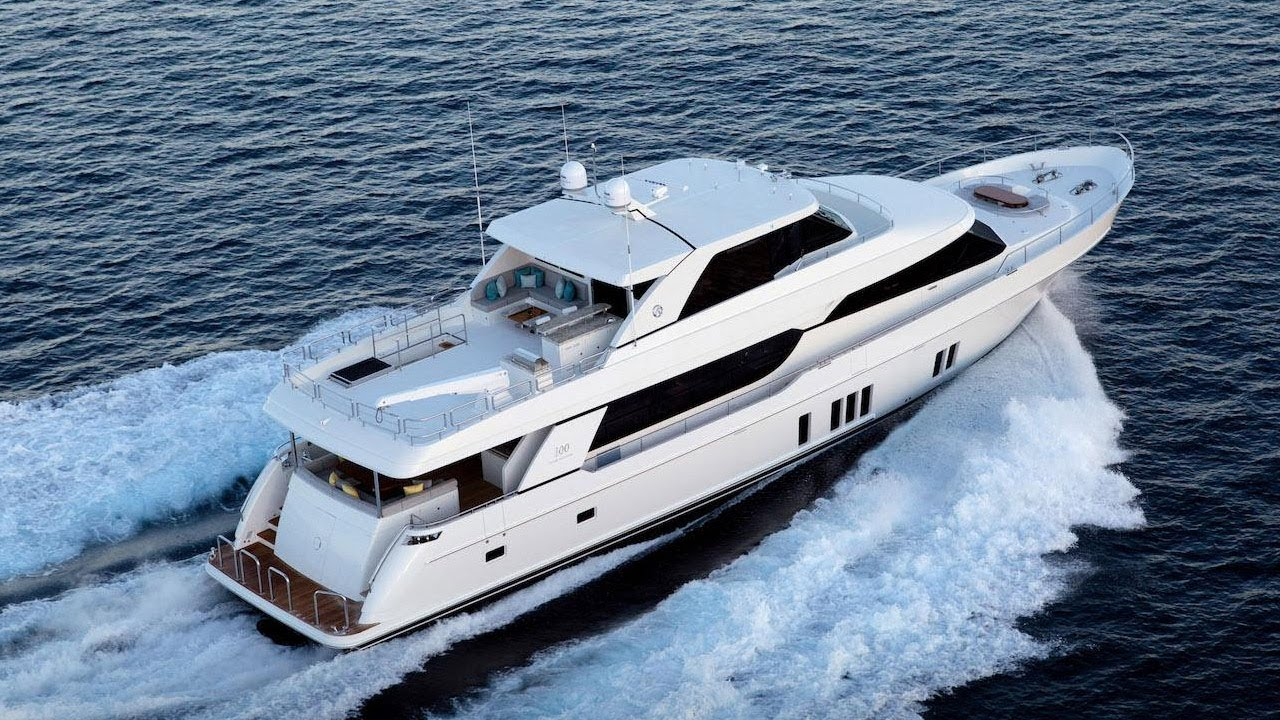 100 Foot Yacht >> Tour The 2018 Ocean Alexander 100 Luxury Yacht Youtube