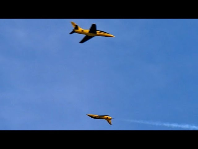 2x RC Turbine Jet Rebel Formation Music Flight from Pirotti snc , JetPower Messe 2014 *HD*
