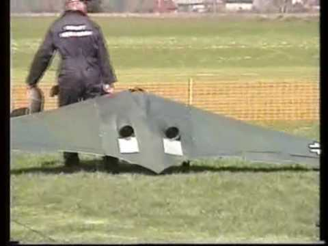 RC GIANT SCALE HORTEN WING 229 + CONCORD + MESSERSCHMIDT ME 262 AT LMA ROUGHAM MODEL RC SHOW - 2006