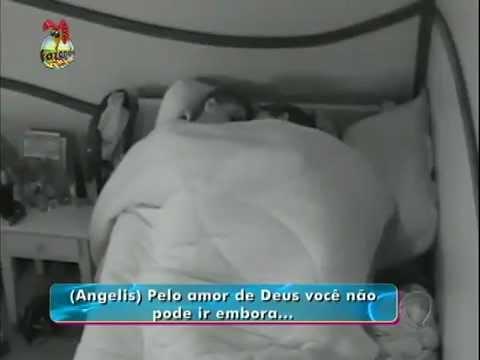 Fazenda de Verão - Angelis e Manu trocando carinhos antes de dormir