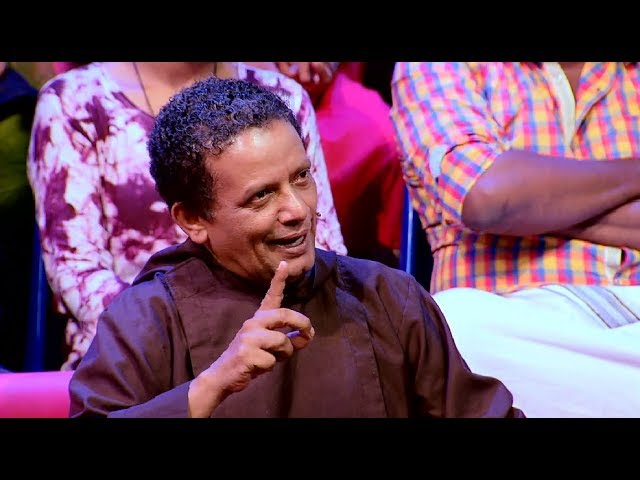 Chaya Koppayile Kodunkattu l Father Joseph Puthen Puraykkal on the floor l Mazhavil Manorama