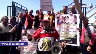 بالصور والفيديو.. رواد مسجد القائد إبراهيم بالإسكندرية يرحبون بزيارة العاهل السعودي