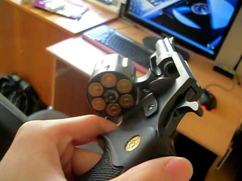 Revolver HOLEK test-Thử súng 9 mm HOLEK,