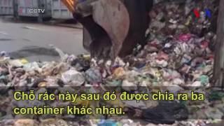 Trung Quốc: Bới 15 tấn rác tìm chiếc gối đầy tiền