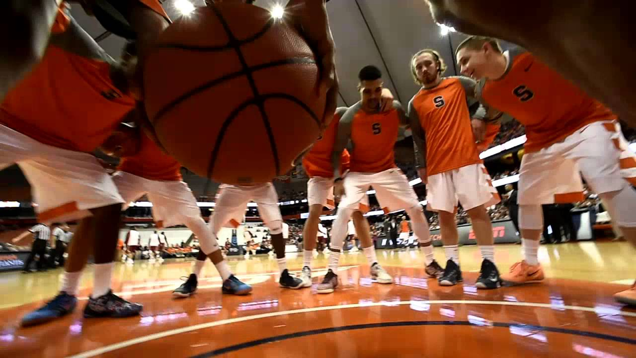 The Syracuse Orange pre-game pep huddle - YouTube