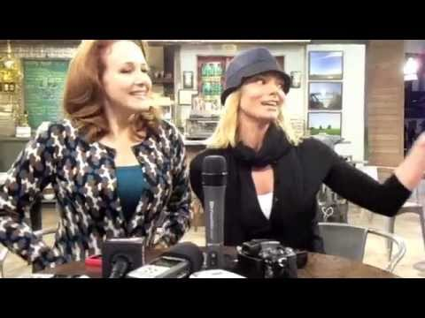 Jaime Pressly And Katie Finneran Talk Hating Teens. Kind Of.