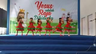 Tarian Lagu Natal Medley