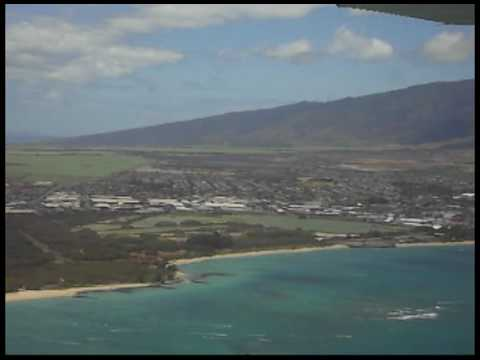 Kahului Airport. Flying over Maui, Hawaii. Cessna 172