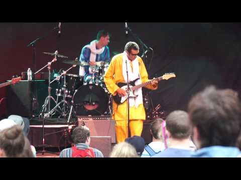 "Bombino ""Azamane Tiliade/The Era of Young Girls"", Floydfest, July 27, 2013"
