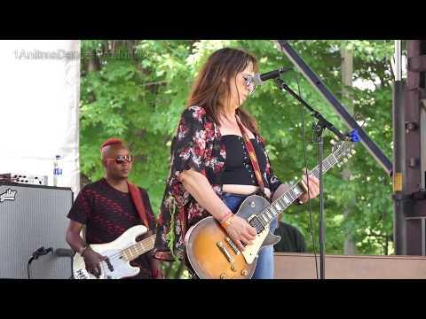Video von Joanna Connor