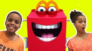 GIANT MCDONALD'S HAPPY MEAL - Shiloh and Shasha - Onyx Kids