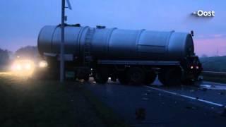 Vrouw uit Rouveen overleden bij ongeluk met vrachtauto  op A28, weg nog uren dicht