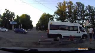 Момент смертельного столкновения мотоциклиста и Рено Дастер