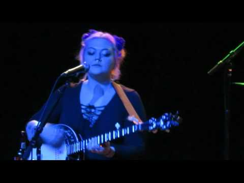 Elle King - Song of Sorrow clip - Detroit 1/27/16