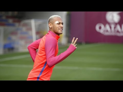 FC Barcelona training session: Neymar Jr. back at training