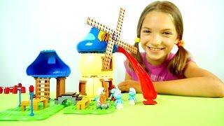 Смурфики и Света собирают домик - Развивающее видео