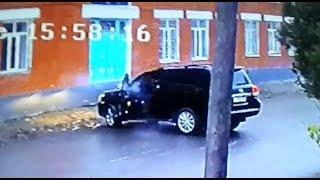 Расстрел имама в Хасавюрте - видео с камеры наблюдения(Как сообщал «Кавказский узел», 1 декабря в Дагестане неизвестными был убит имам Сулейман Кокрекский. По..., 2015-12-04T10:28:28.000Z)