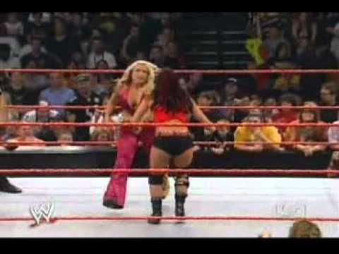 Trish stratus vs victoria women039s championship match - 4 10