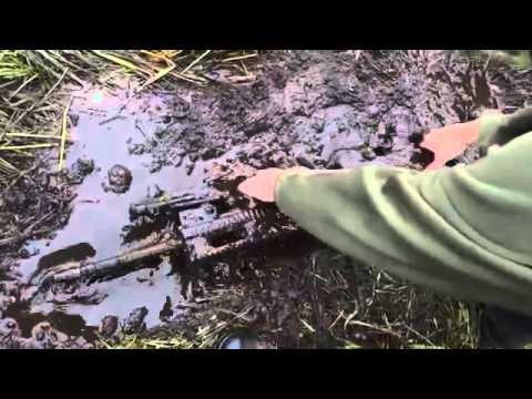 FN SCAR firing test in the mud