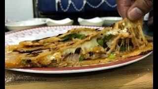 Pizza Paratha recipe | Fresh wheat pan cheese parantha recipe | रोटी परांठा से बनायें पिज़्ज़ा