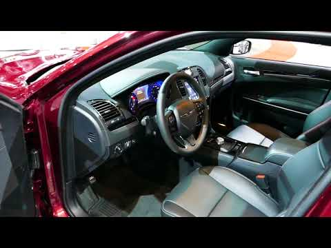 New 2018 Chrysler 300S Luxury Sedan - Interior Tour - 2017 LA Auto Show, Los Angeles CA