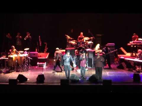 Earth, Wind & Fire Experience (feat Al McKay)  en Argentina 2013 - Bloque Romántico