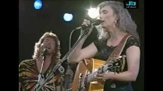 Emmylou Harris - Sweet Dreams