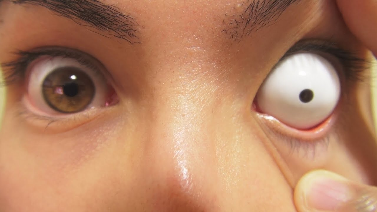How To Insert And Remove White Sclera Contact Lenses