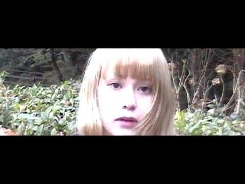 映画で見た少女 「カフカは死んだ」