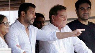 Salman Khan reaches home & Waves at fans after bail