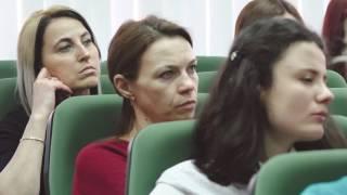 В Ростове учителя сели за парту, чтобы лучше учились дети