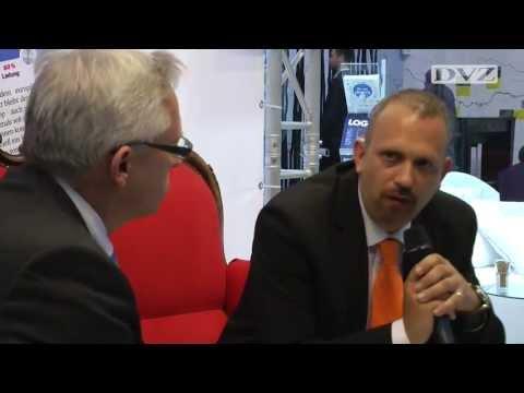 Rotes Sofa: Christian Specht im DVZ-Interview