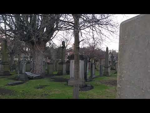 Cemetery DXing Edinburgh 15:51 China Radio International