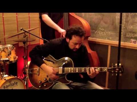 KENNY BURRELL - Chitlins con carne (David Regueiro Trio)