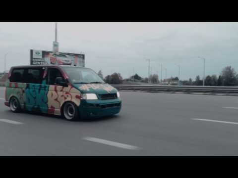 Stanced VW Transporter T5 / Weedexpress