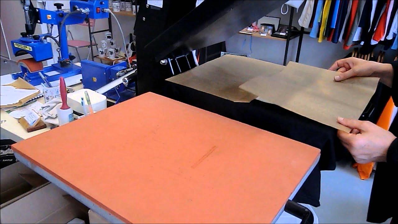 flocage d 39 un tee shirt etape 3 sur 3 le pressage youtube. Black Bedroom Furniture Sets. Home Design Ideas