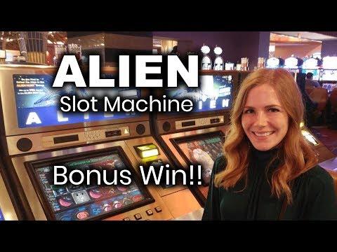 Alien Slot Machine Win and Zeus 4 Symbol Bonus Win!!!