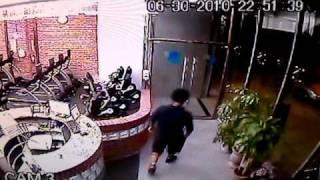 Thief in greenpoint Brooklyn 11222