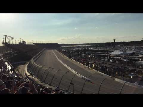 Start of the Bojangles Southern 500 at Darlington Speedway