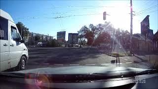 Нарушение ПДД водителем буса
