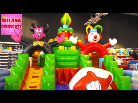 Детский Батутный парк Надувные горки и игры  GIANT Children park with inflatable slides and games